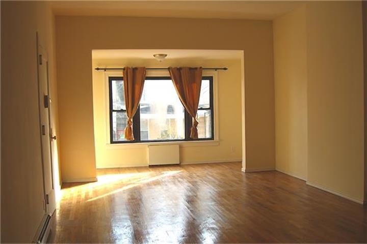 1311 Clay Avenue, Bronx, NY - USA (photo 2)