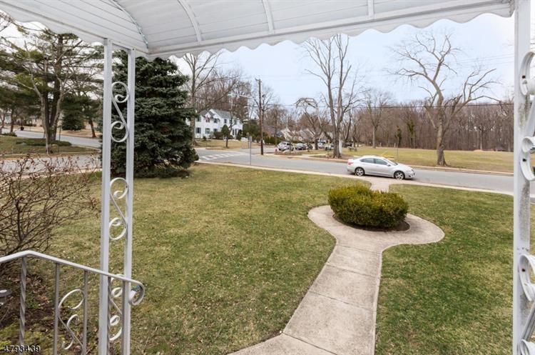 312 Prospect Ave, Oradell, NJ - USA (photo 2)
