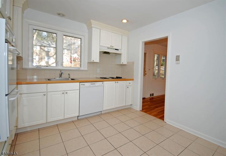 440 Timber Dr, Berkeley Heights, NJ - USA (photo 5)