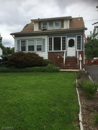 618 Parkview Ave, North Plainfield, NJ - USA (photo 1)