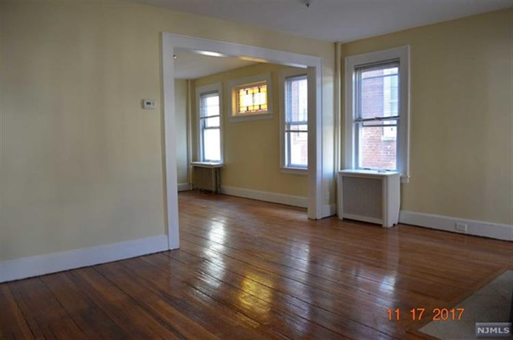 344 Chestnut Street, Kearny, NJ - USA (photo 4)
