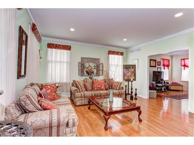 16 Molly Pitcher Road, Marlboro, NJ - USA (photo 5)