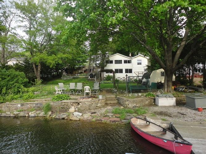 72 Lakeside Ave, Hardyston, NJ - USA (photo 2)