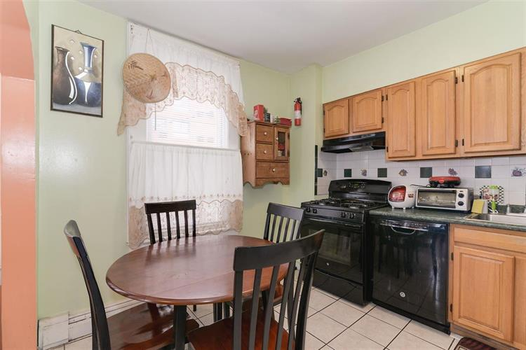 1058 Summit Ave, Unit 2 2, Jersey City, NJ - USA (photo 5)