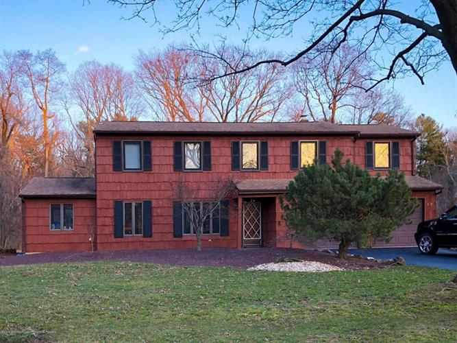 153 Sherwood Drive, Freehold, NJ - USA (photo 1)