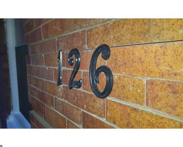 126 W Pomona St, Philadelphia, PA - USA (photo 2)