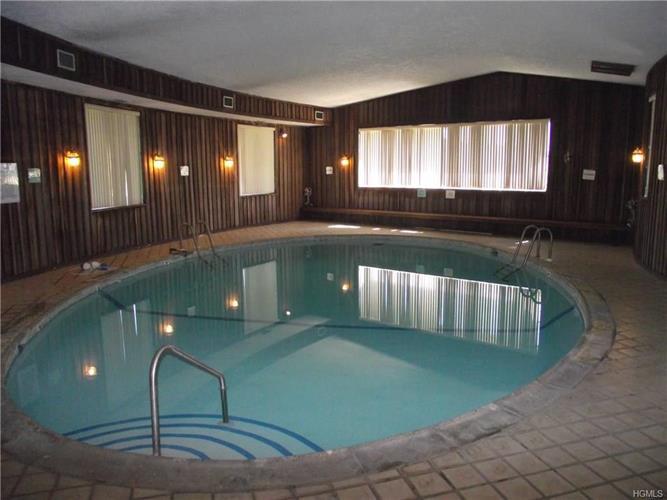 452 Country Club Lane, Pomona, NY - USA (photo 3)