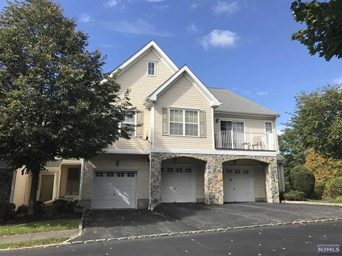 67 Mountainside Dr, Pompton Lakes, NJ - USA (photo 1)