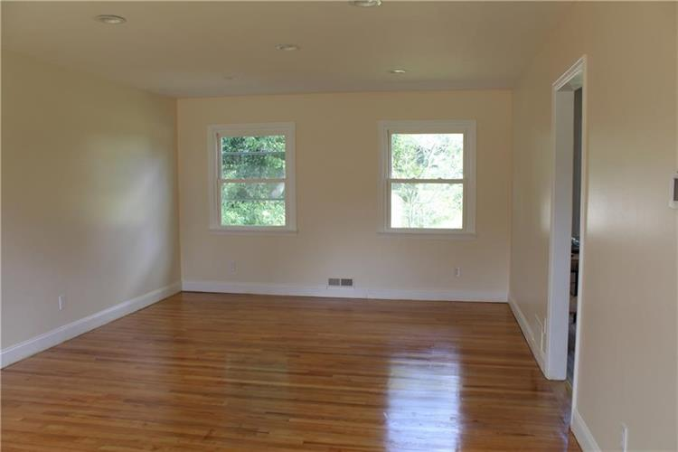 8 Hardenburg Lane, East Brunswick, NJ - USA (photo 5)