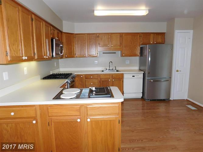 21100 Twinridge Sq, Sterling, VA - USA (photo 5)