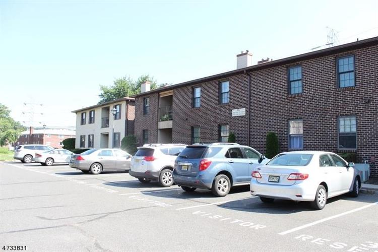 40b Foxhall Road, Middlesex, NJ - USA (photo 1)