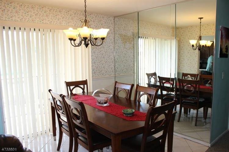 40b Foxhall Road, Middlesex, NJ - USA (photo 4)