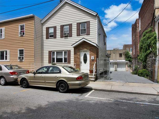 5905 Washington Street, West New York, NJ - USA (photo 1)