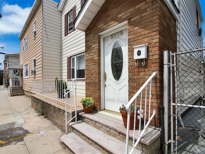 5905 Washington Street, West New York, NJ - USA (photo 2)