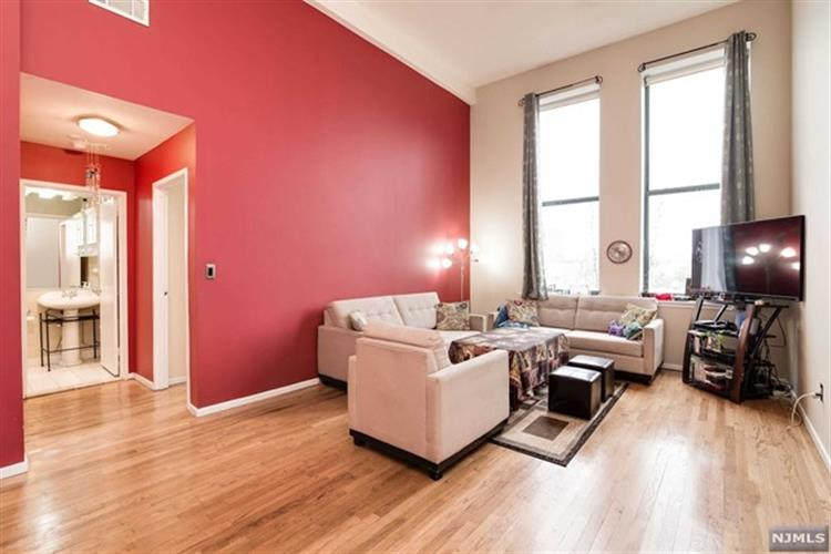 518-536 Gregory Avenue, Unit A42 A420, Weehawken, NJ - USA (photo 1)
