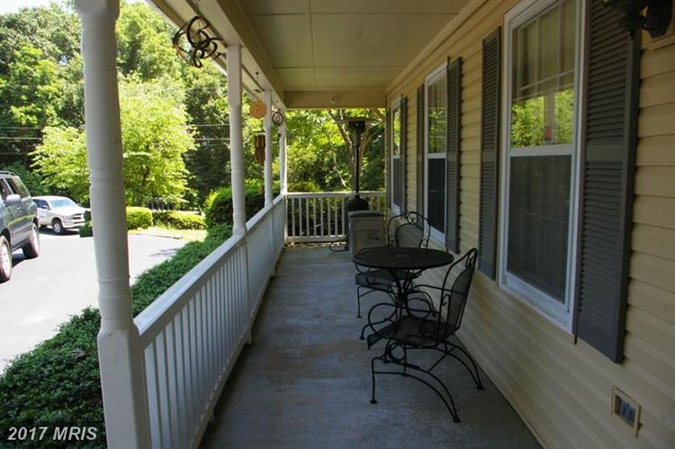 6067 Ansley Ct, Manassas, VA - USA (photo 2)