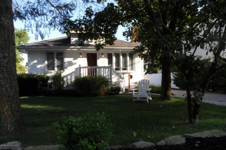 54 Buttonwood Avenue, Eatontown, NJ - USA (photo 1)