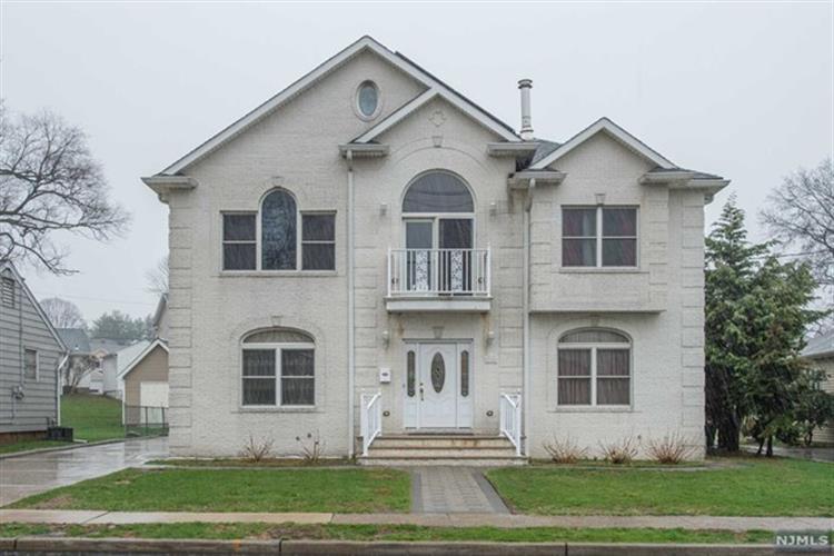 15 Donnalin Place, Clifton, NJ - USA (photo 1)