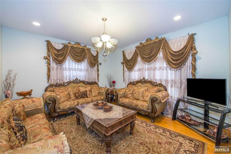 15 Donnalin Place, Clifton, NJ - USA (photo 4)