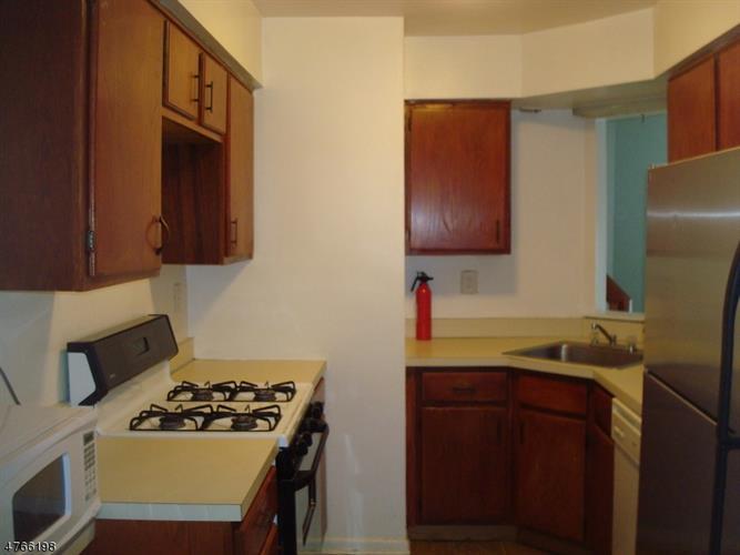 1128 Schmidt Ln, North Brunswick, NJ - USA (photo 4)