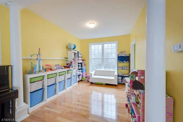 103 Arrowgate Dr, Randolph, NJ - USA (photo 4)