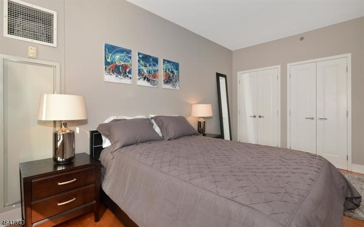 1025 Maxwell Ln 417, Hoboken, NJ - USA (photo 5)