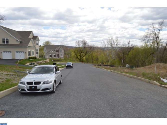 114 Oakwood Dr #lot 21 Lot21, Whitehall, PA - USA (photo 2)