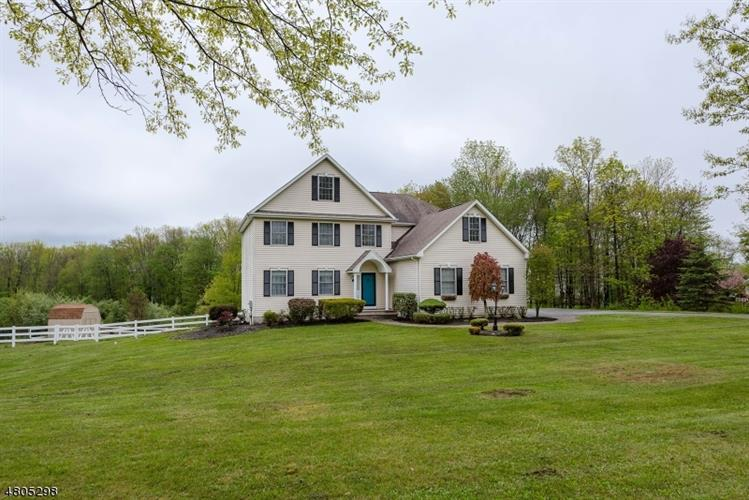 180 Smithtown Rd, Mount Olive, NJ - USA (photo 1)