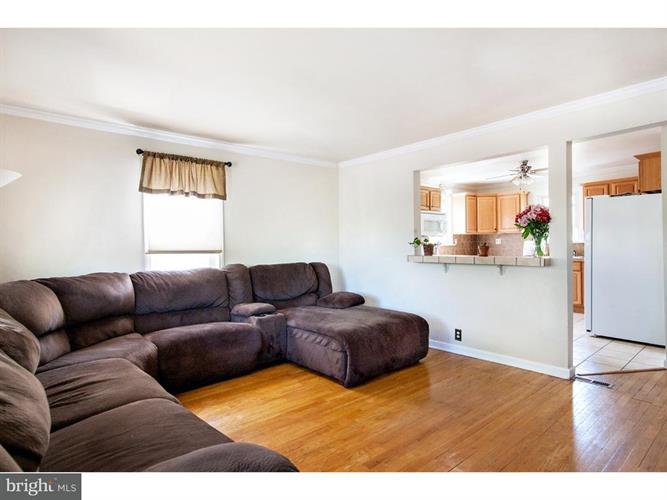 577 Belmont Street, Pottstown, PA - USA (photo 5)