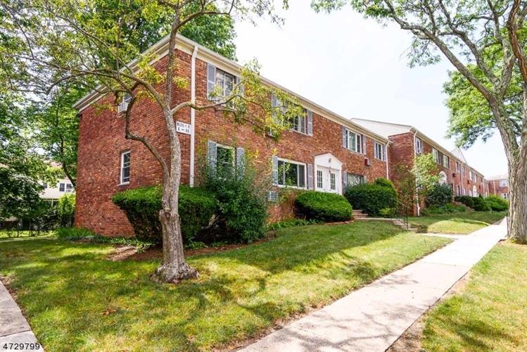 11 Wedgewood Dr, Unit 89 89, Verona, NJ - USA (photo 2)