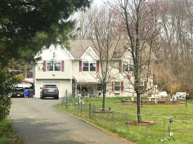 228 Spring Valley Road, Morganville, NJ - USA (photo 1)