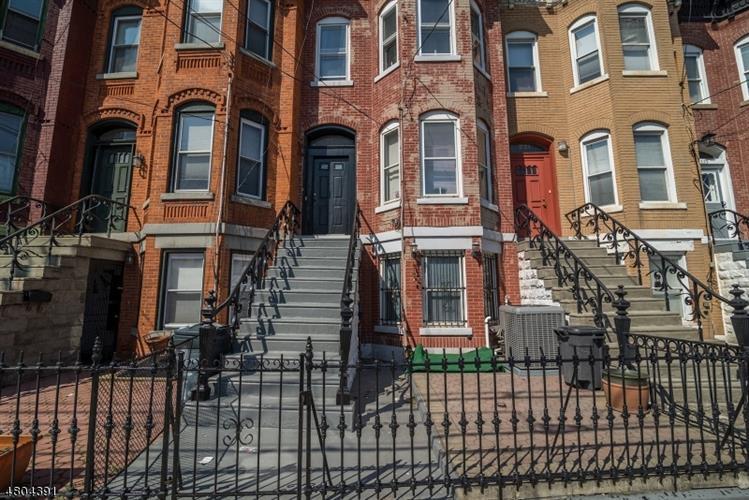 219 Garfield Ave, Jersey City, NJ - USA (photo 1)