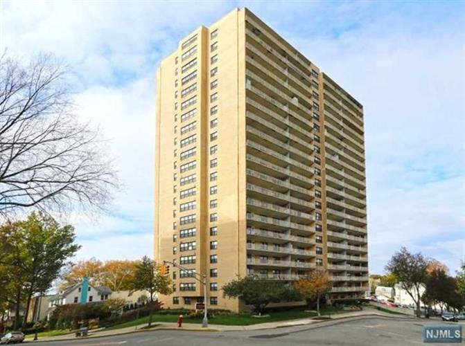 285 Aycrigg Avenue, Unit #02 020k, Passaic, NJ - USA (photo 3)