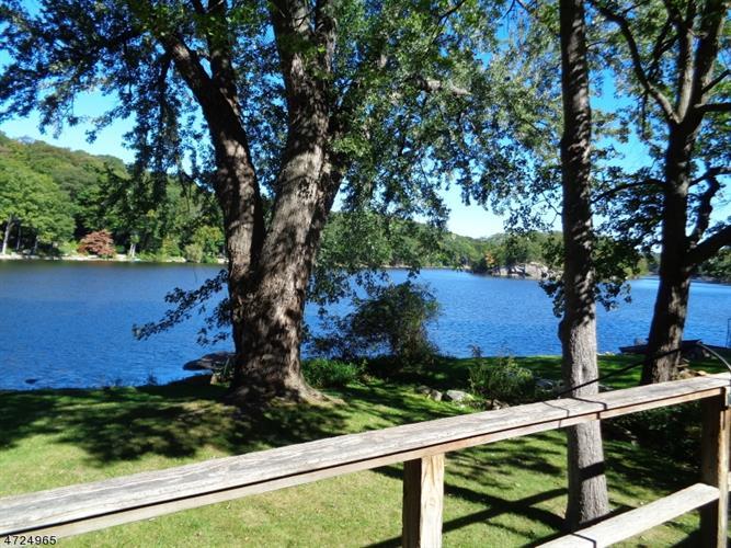 94 Lake Shore Rd East, Hardyston, NJ - USA (photo 2)