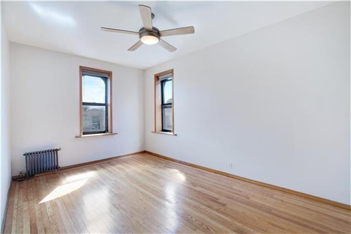 24 Bennett Avenue 62-b, New York, NY - USA (photo 5)