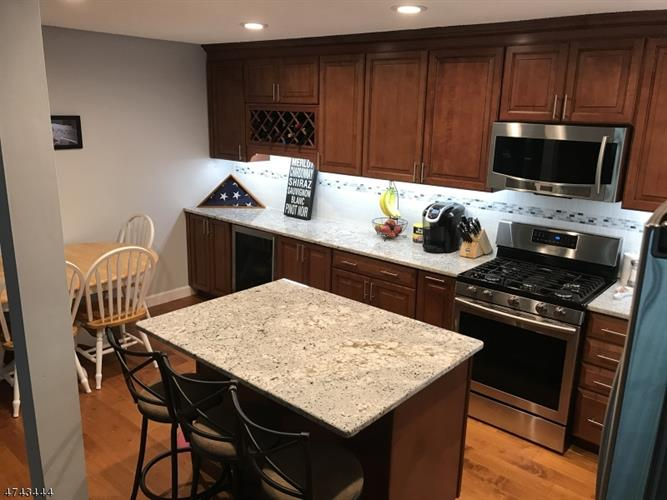 1510 Longley Ct 10, Branchburg, NJ - USA (photo 2)