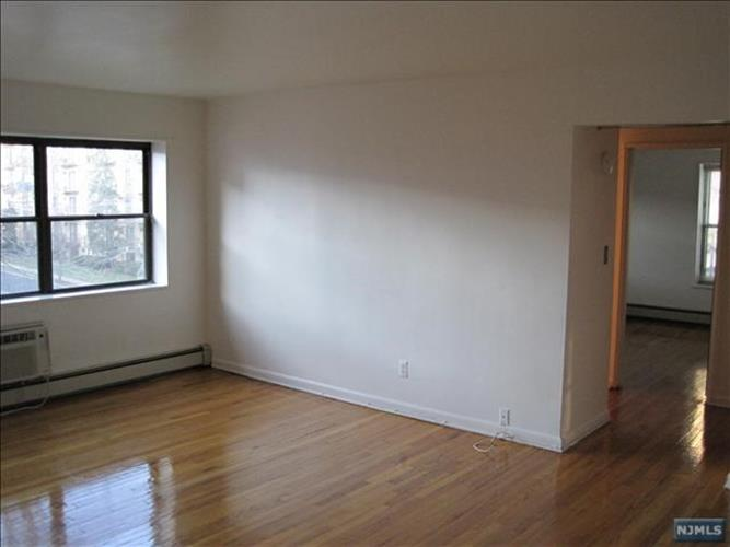216 Prospect Ave 1c, Hackensack, NJ - USA (photo 2)