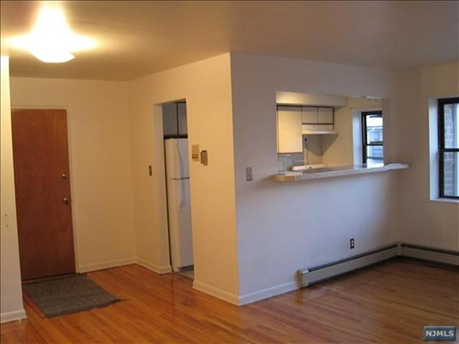 216 Prospect Ave 1c, Hackensack, NJ - USA (photo 4)