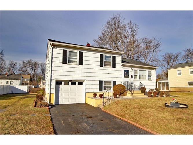 188 W Elmwood Drive, South Plainfield, NJ - USA (photo 2)