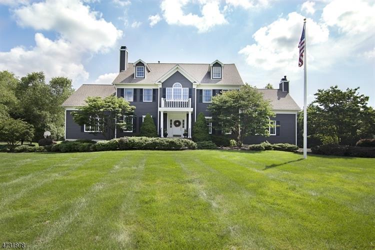 28 Thomas Farm Ln, Township Of Washington, NJ - USA (photo 1)