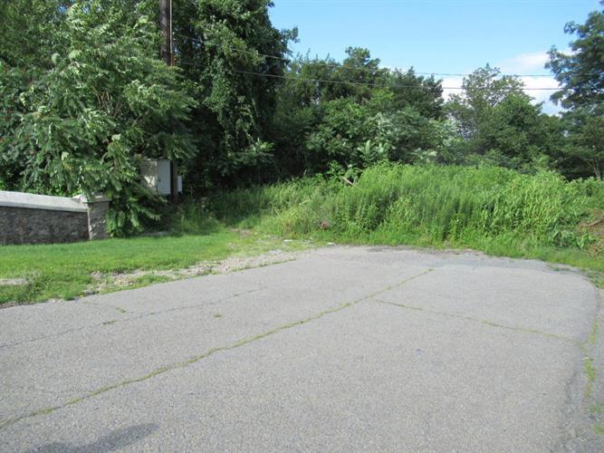 Stoney Lonesome Rd, Summit Hill, PA - USA (photo 2)