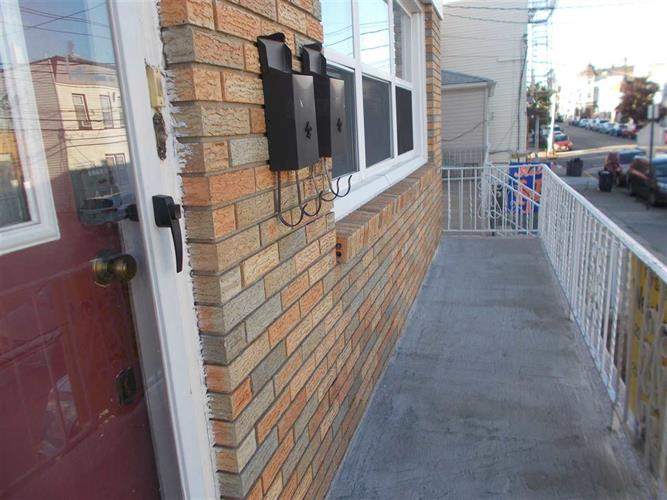 45 Prospect Ave, Bayonne, NJ - USA (photo 2)