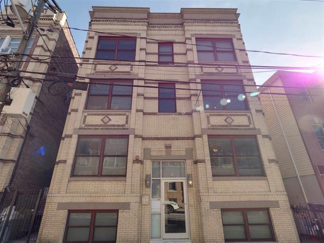 324 Baldwin Ave 3r, Jersey City, NJ - USA (photo 1)