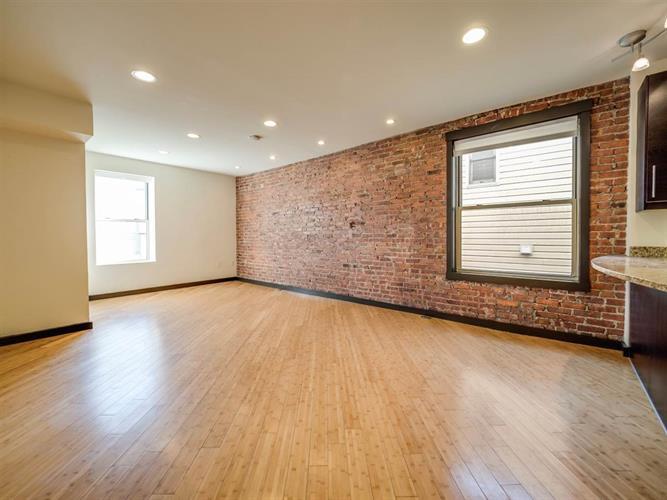 324 Baldwin Ave 3r, Jersey City, NJ - USA (photo 3)