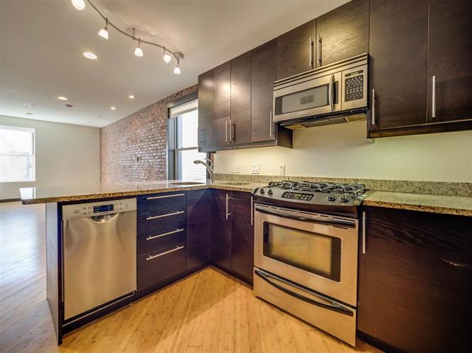324 Baldwin Ave 3r, Jersey City, NJ - USA (photo 5)