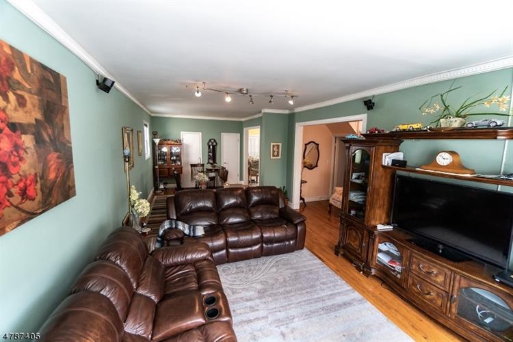 7306 Cottage Ave, North Bergen, NJ - USA (photo 4)