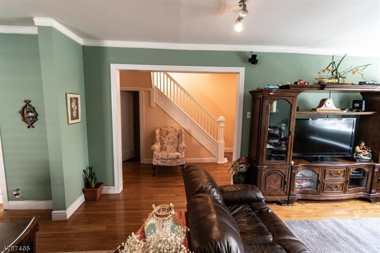7306 Cottage Ave, North Bergen, NJ - USA (photo 5)