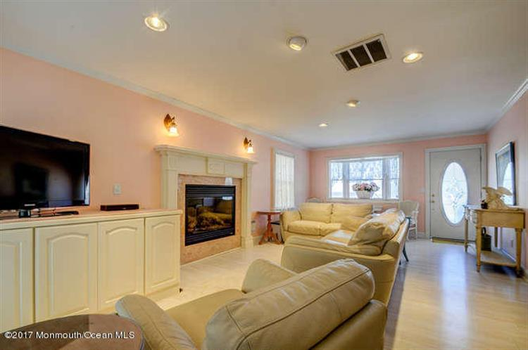 141 S Bayside Road, Lavallette, NJ - USA (photo 4)