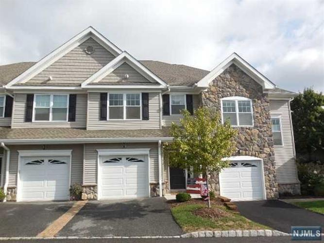 40 Parkside Dr, Wanaque, NJ - USA (photo 1)