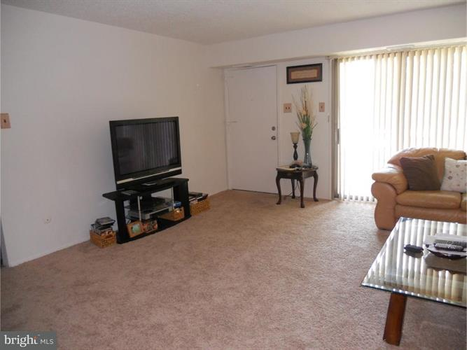 1294 Cooper Street A5, Edgewater Park, NJ - USA (photo 2)
